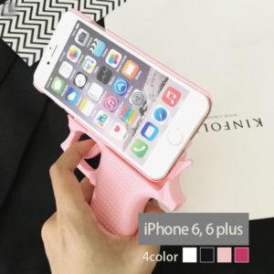 NEUTRAL STOREのiPhoneケース。ピストル型、通話も引き金に指をかけた姿で可能。